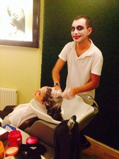 Costumul de Halloween al lui Alex Caraman, hairstylist @ Beauty District. #halloweencostumes, #beautysalon, #beautydistrict.