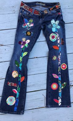Hippie Boho denim patchwork recycled retro jeans patched jeans applique by SewUnruly on Etsy Source by sewunruly Boho Hippie, Jean Hippie, Hippie Jeans, Estilo Hippie, Ethnic Jewelry, Bohemian Jewelry, Diy Jeans, Recycle Jeans, Jean Rapiécé