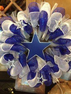 Dallas Cowboys Wreath | theblingyblonde.com