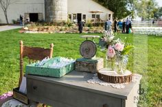 Country, rustic table for an outdoor ceremony! #countrywedding #wedding #imagesbyberit #weddingdecor