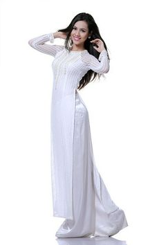 Áo dài ren đá - RD622 | You think white is simple, but not is this dress, it's special in every single details :)