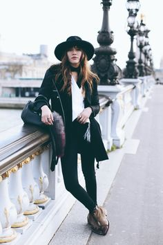 MISS EIFFEL  Paris style