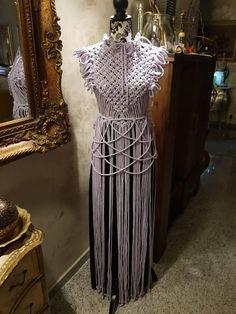 Unique macrame dress made with 300 feet purple cotton rope. Macrame Dress, Macrame Bag, Macrame Knots, Festival Dress, Festival Outfits, Festival Clothing, Boho Festival, Etsy Macrame, Diy Kleidung