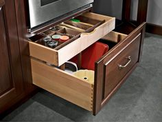 Nice double drawer.