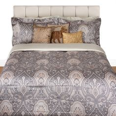 Discover the Etro Morlaix Derval Bed Linen Set - 800 - Super King at Amara