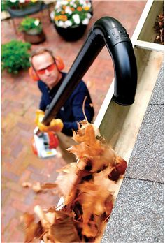 A series of plastic tubes attach to your STIHL handheld blower and can extend to more than ten feet, providing the additional extension needed to reach most residential gutters. Great for removing dry leaves and debris.