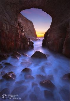 Keyhole Arch Dream by Zack Schnepf, via Flickr (Oregon)