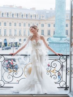 Amazing and royal Paris wedding ceremony at Hotel Evreux Parisian Wedding Dress, French Wedding Dress, Paris Wedding, Wedding Dress Trends, Gorgeous Wedding Dress, Bridal Gowns, Wedding Gowns, Provence Wedding, How To Pose
