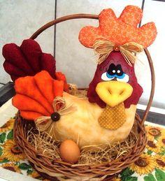 . Wreath Crafts, Felt Crafts, Easter Crafts, Diy Crafts, Diy Sewing Projects, Sewing Crafts, Projects To Try, Fabric Animals, Fabric Birds