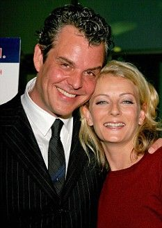 Charmed couple: Danny Huston (John Huston's son)and Katie Jane Evans, who killed herself at 35 in She called and reported that she took an overdose but then jumped before help arrived. Danny Huston, John Huston, Celebrity Deaths, Celebrity Scandal, Dynasty Actors, Macabre Photography, Jonbenet Ramsey, Famous Murders, Mysterious Events