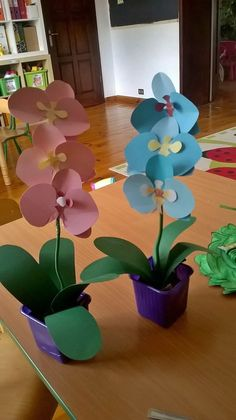40 Easy DIY Spring Crafts Ideas for Kids diy - Diy and crafts interests Spring Crafts For Kids, Diy Crafts For Kids, Arts And Crafts, Kids Diy, Flower Crafts, Diy Flowers, Paper Flowers, Diy Cadeau Noel, Diy Home Decor Projects
