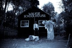 Come on out to Dead Land Haunted Woods and see us in the Walker School House see ya there!!!!!