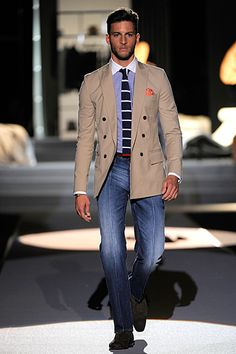 Great Spring outfit. Love the pairing of the contrast collar with the bold striped knit tie: Dsquared2 - Men's Fashion
