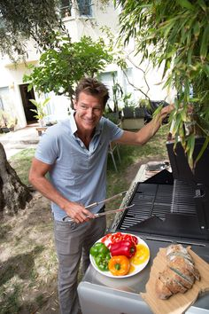 How To Clean Your Outdoor Grill tips by Ty Pennington Clean Grill, Grill Cleaning, Cleaning Tips, Best Portable Grill, Infrared Grills, Propane Gas Grill, Outdoor Projects, Outdoor Ideas, Cooking On The Grill