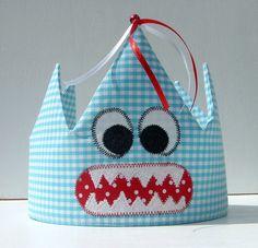"""Geburtstagskrone """"Monster auf türkis"""" von Atelier Kreatissimo auf DaWanda.com"""