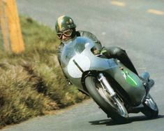 the last 4 Strokes 250 World Champion: Kel Carruthers in 1969 on Benelli 4 Cylinder