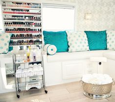 This Adorable Airstream Is Actually a Nail Salon…