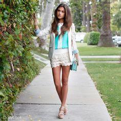 Mint Collar Top.Me gusta todo lo elegante y bordado y las telas.