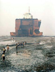 "Edward Burtynsky series ""Shipbreaking"""