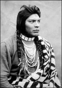Nez Perce man, Washington. I took the liberty to restore this photo from the original, which was badly covered with dots.
