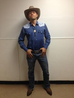 Mamas, don't let your babies grow up to be cowboys » Misha Collins everyone.... #SPN