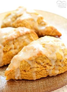 Easy Pumpkin Scones recipe made with pumpkin, cinnamon, brown sugar and butter. Soft & sweet pumpkin scones that are perfect for Fall. from BUTTER WITH A SIDE OF BREAD Pumpkin Scones, Pumpkin Dessert, Pumpkin Spice, Pumpkin Bars, Pumpkin Oatmeal, Pumpkin Soup, Pumpkin Bread, Easy Healthy Recipes, Easy Meals