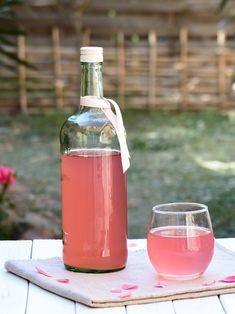 Je vous emmène aujourd'hui à la découverte d'une boisson très ancienne et dotée de nombreux bienfaits, le kéfir de fruits. À adopter sans hésitation !