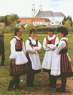 The Székely (pronounced Say-kay) are a subgroup of Hungarians, who mostly live in Transylvania. Ethnic Outfits, Ethnic Dress, Ethnic Clothes, Folklore, Folk Dance, Folk Costume, Traditional Outfits, Romania, The Past