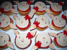 Olivia the Pig Cupcakes | Flickr - Photo Sharing!