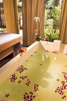 Just a lovely tropical bath