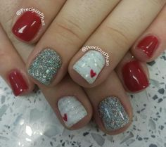 The combination of red, white and silver glitter nail always brings nice results. | https://www.popmiss.com/nail-designs/
