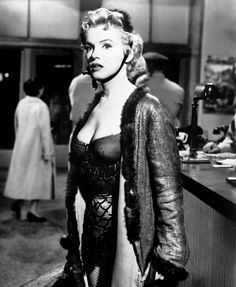 Actress Marilyn Monroe in a scene from the CenturyFox film 'Bus Stop' in 1956 in Los Angeles California Marilyn Monroe Poster, Marilyn Monroe Photos, Mae West, Vintage Hollywood, Hollywood Glamour, Hollywood Actresses, Classic Hollywood, Divas, Bus Stop