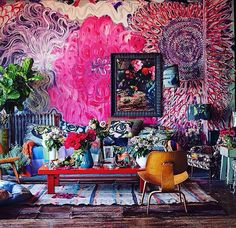 I saw a few of maximalist interior style in some of house designs and honestly I don't really like it because it looks messy, untidy, narrow, and too much in my opinion. > Living Room with Maximalist Design The characteristic of this maximalist de. Bohemian Interior, Bohemian Decor, Boho Chic, Bohemian Gypsy, Bohemian Design, Bohemian Style, Estilo Kitsch, Maximalist Interior, Small Space Design