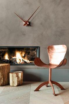 Chaise en cuivre au design originale pour une déco d'intérieur créative