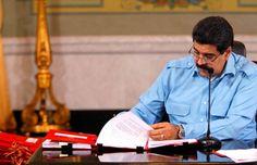 Maduro firma