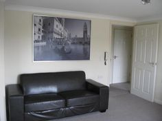WELL PRESENTED cosy purpose built ONE BEDROOM FLAT situated on the top floor with separate reception room, separate double bedroom. Fully furnished. Property has gas central heating. This property comes with two allocated car park spaces. Located in a central part of Slough. £900pcm