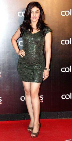 Ragini Khanna on the red carpet Colors International Advertising Associations (IAA) Awards. #Style #Bollywood #Fashion #Beauty