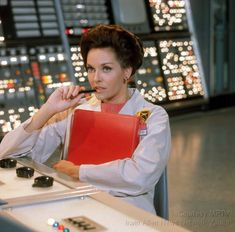 """Lee Meriwether as Dr. Ann MacGregor on """"The Time Tunnel. Lee Meriwether, Science Fiction, Fiction Movies, Mad Science, Allen Show, The Time Tunnel, James Darren, Fictional Heroes, Fictional Characters"""