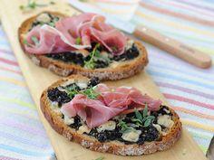 Découvrez la recette Bruschetta au jambon de Parme et tapenade sur cuisineactuelle.fr.