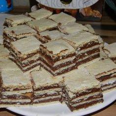 Prajitura foaie peste foaie Romanian Desserts, Romanian Food, Romanian Recipes, No Bake Desserts, Healthy Desserts, Cake Recipes, Dessert Recipes, Healthy Cook Books, Pastry Cake