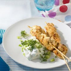pirates skewers - Drinks for Kids Healthy Chicken Recipes, Baby Food Recipes, Dinner Recipes, Quick Recipes, Shish Kebab, Grilling Sides, Skewer Recipes, Different Vegetables, Cooking On The Grill