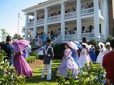 azalea+festival+wilmington+nc | Azalea Festival, 2007, Wilmington, NC. Image courtesy of Flickr user ...