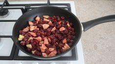 Никто не верит что такой пирог я готовлю из лаваша! - topovoye.ru Iron Pan, Food And Drink, Beef, Food Cakes, Chef Recipes, Kuchen, Meat, Steak