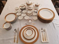Table Settings, Plates, Tableware, Kitchen, Home, Dinnerware, Licence Plates, Dishes, Cooking