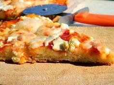 Pizza quattro formaggi http://iulianaflorentina.blogspot.it/2011/09/pizza-cu-branza.html