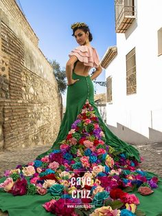 Mexican Fashion, Mexican Outfit, Mexican Dresses, Mexican Style, Flower Dresses, Nice Dresses, Dress Outfits, Fashion Dresses, Spanish Dress