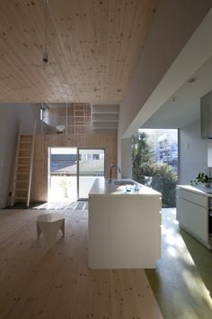 Image 11 of 18 from gallery of Climber´s House / Komada Architects' Office. Photograph by Toshihiro Sobajima