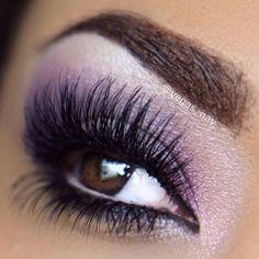 Love this purple eye shadow! Make up for brown eyes - bride Kiss Makeup, Love Makeup, Makeup Tips, Beauty Makeup, Makeup Looks, Hair Makeup, Stunning Makeup, Amazing Makeup, Prom Makeup