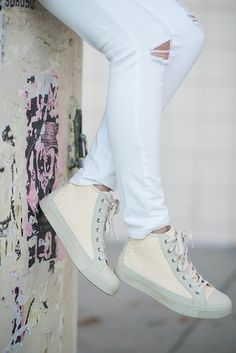 Another new post on @ebay sharing how to style sneakers 101 > http://www.ebay.com/gds/How-To-Style-Sneakers-101-/10000000205758042/g.html?roken2=ti.pS2ltYmVybHkgUGVzY2g%3D