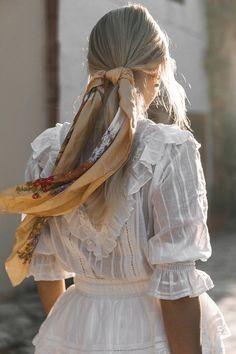 A European Summer Romance - Spell & The Gypsy Collective x Lisa Danielle Trend Fashion, Fashion Tips, Ski Fashion, Fashion Hacks, Fashion 2020, Daily Fashion, Fashion Fashion, Korean Fashion, Winter Fashion